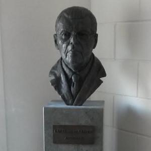 J.M.H. Van de Sande, borstbeeld